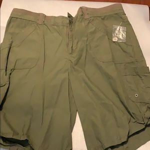 White Stag size 16 New green woman's shorts